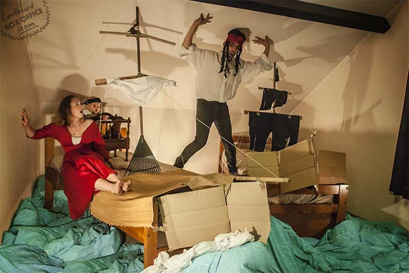 Cardboard Box Office | Filme: Piratas do Caribe