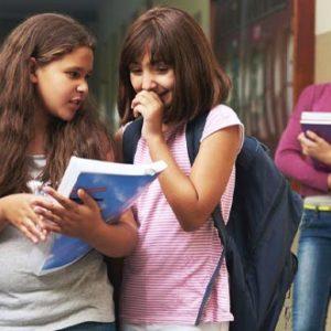Volta às aulas pode ser um transtorno para quem sofre bullying. Saiba como lidar
