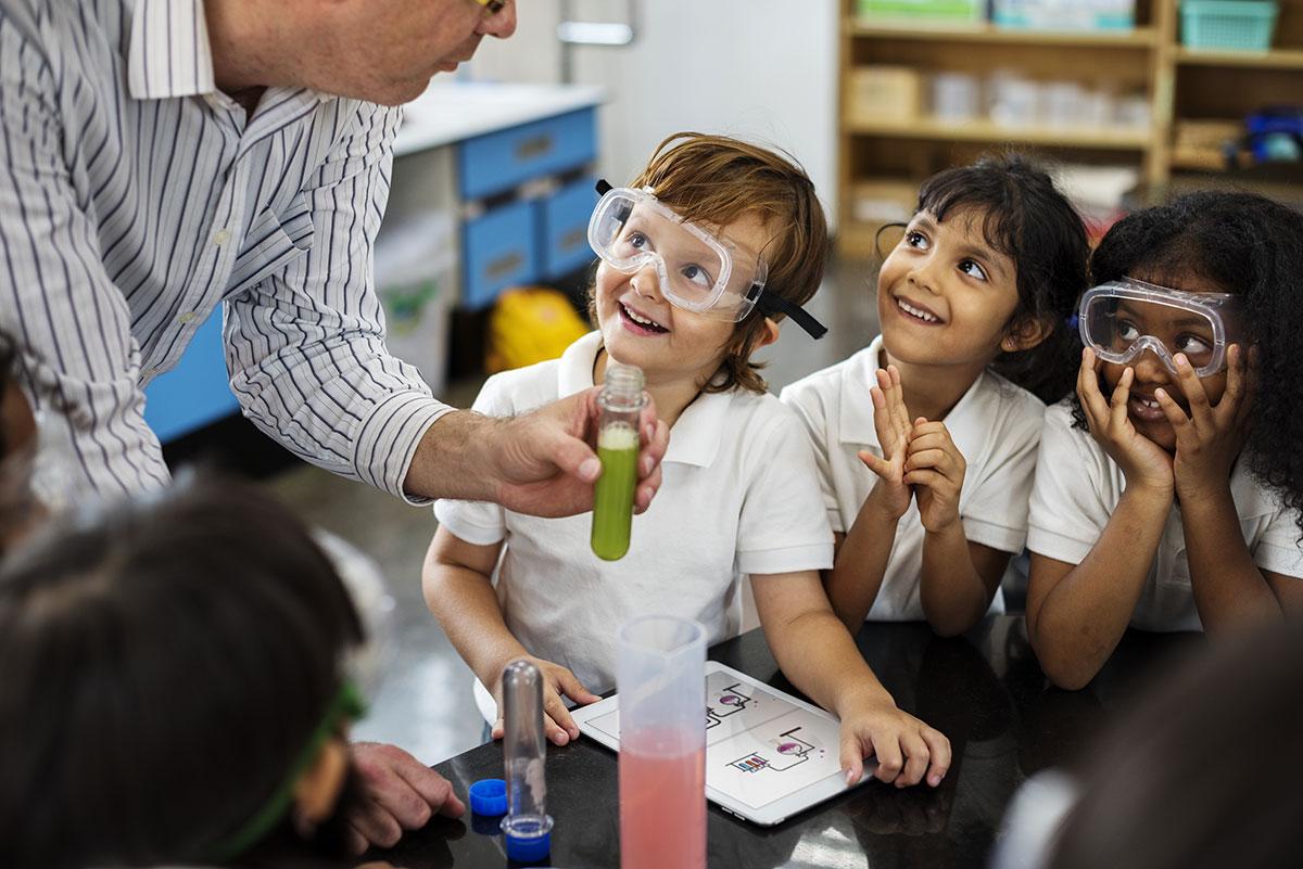 De volta às aulas: 4 dicas para melhorar o desempenho escolar do seu filho em 2021
